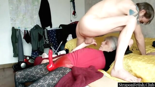 Dominant GILF Strapon Pegging Her.. amateur anal bdsm